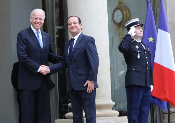 Biden and Hollande - Elysee Palace